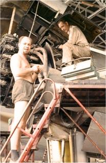 Maintenance of C 46 engines. Photo: Transair Sunjet Set picture archives
